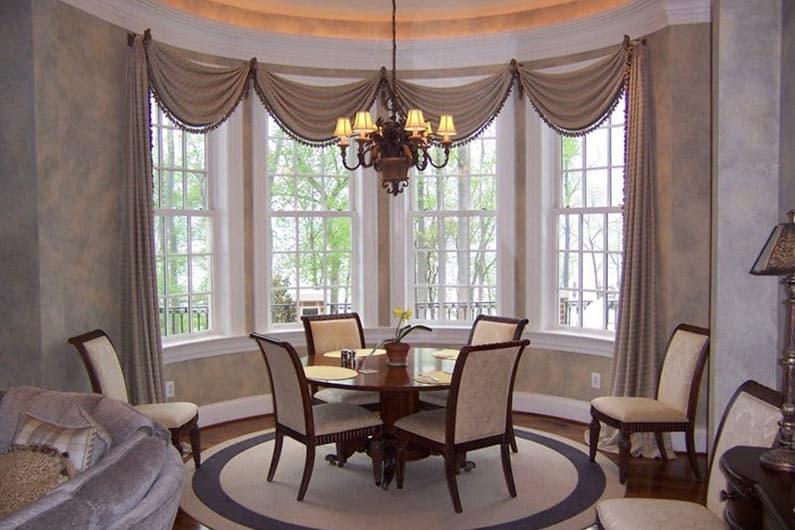 шторы на эркерное окно фото